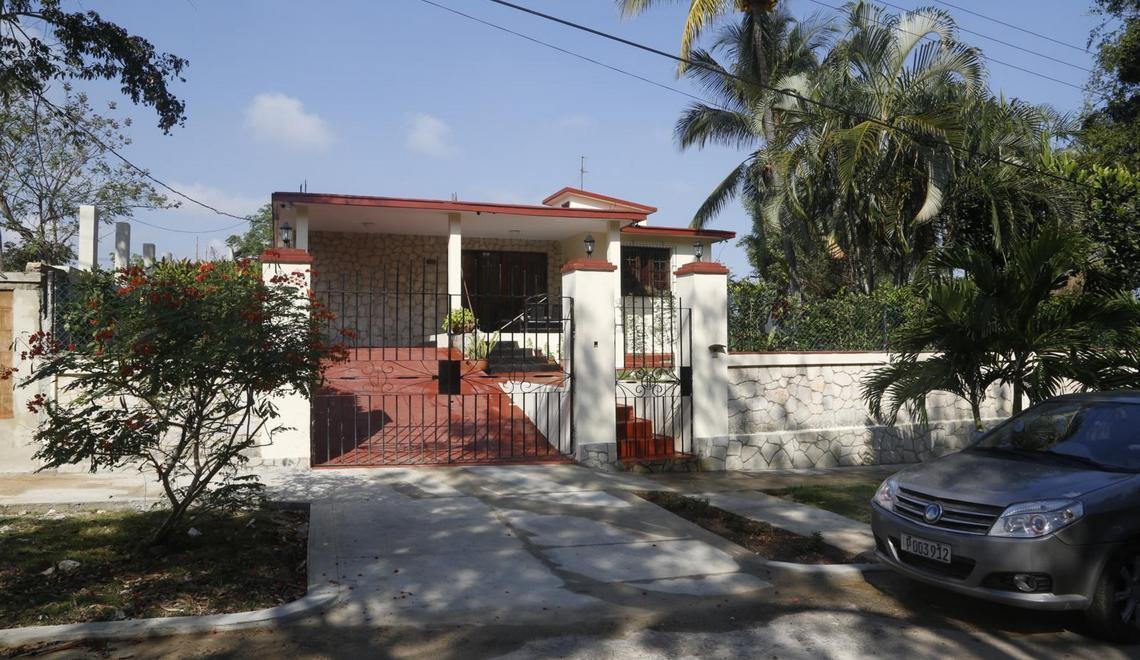 CASA DE RENTA CON 3 HABITACIONES EN PLAYAS DEL ESTE, GUANABO