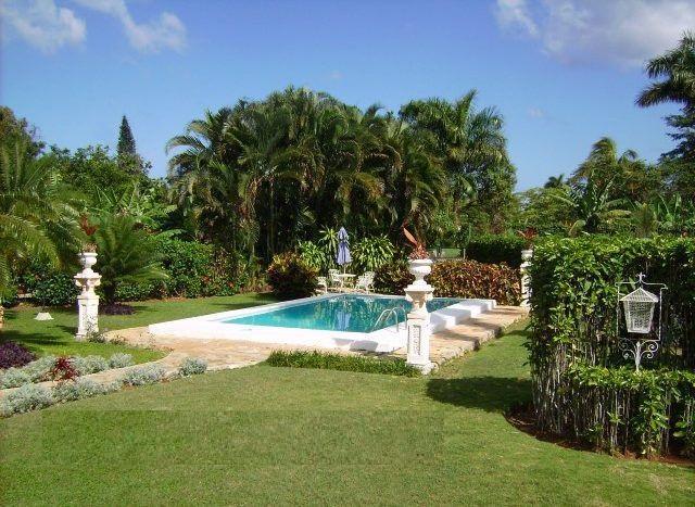Casa de Jorge del Busto en reparto Siboney, Habana,bella piscina