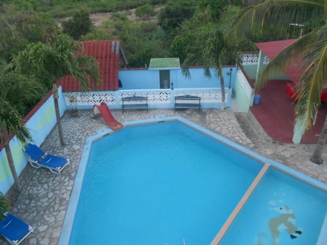 Se Alquila Hermosa casa en la playa Guanabo, con piscina y 4 hab