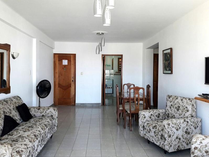 Alquilo Departamento espacioso y ubicado en excelente zona -