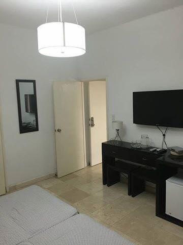 Se renta habitaciones en Casa La Ceiba frente al hotel Capri Cub