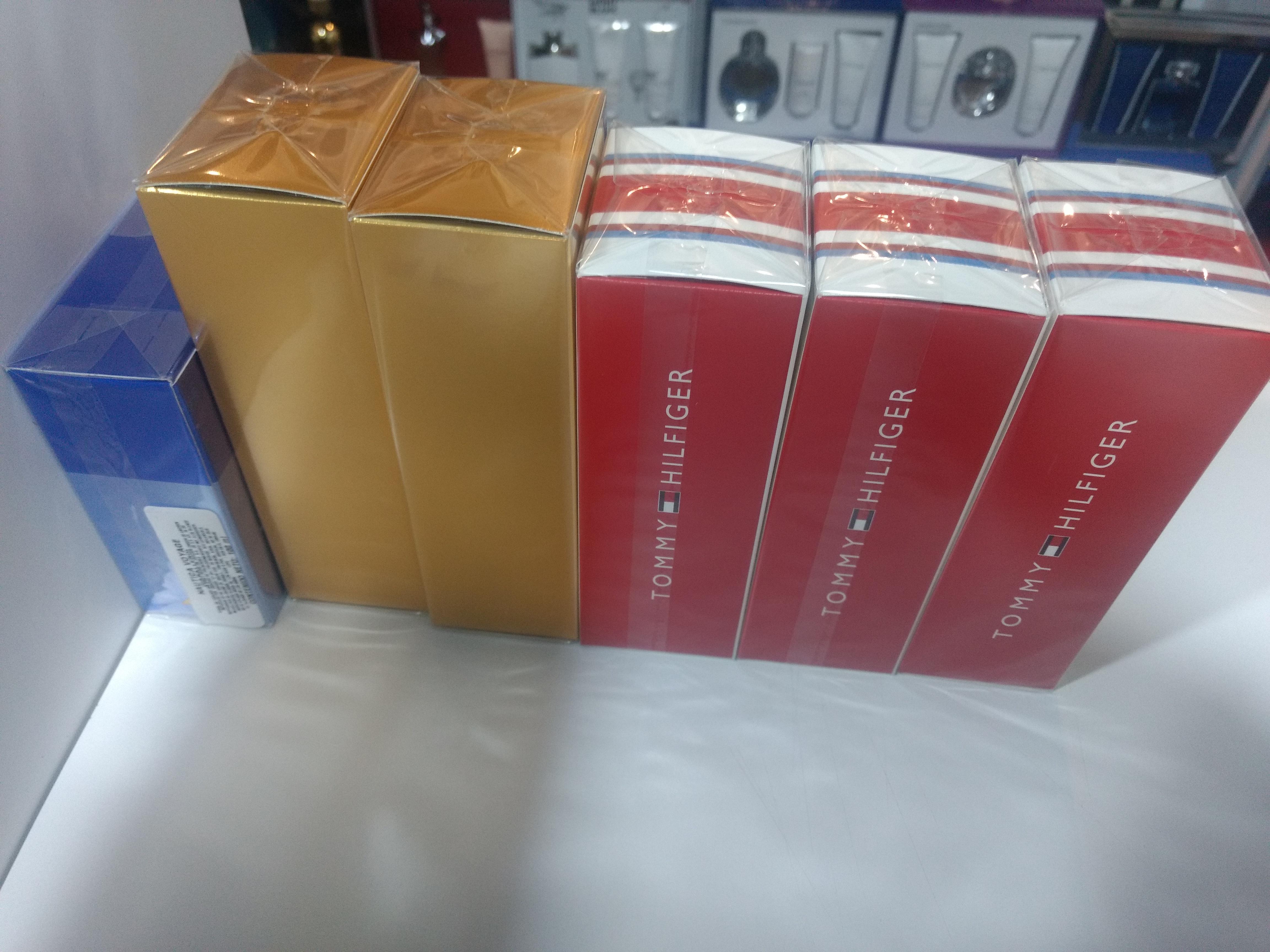 Venta de perfumes originales y bolsos de dama de piel  y sintéti